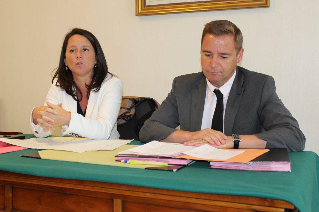 Johanna Rolland & Fabrice Roussel - Signature du contrat de co-développement entre Nantes Métropole et La Chapelle-sur-erdre